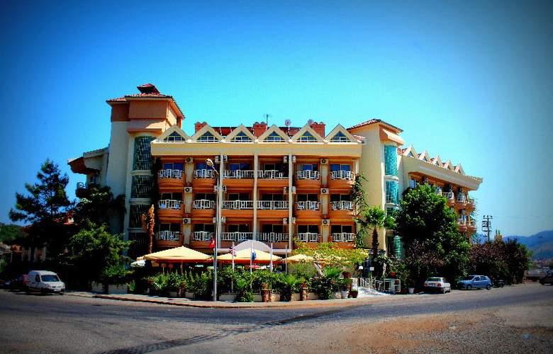 Grand Hotel Faros - Hotel - 0