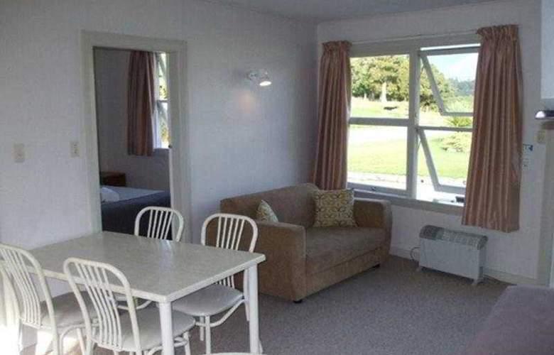 Glacier View Motel - Room - 3