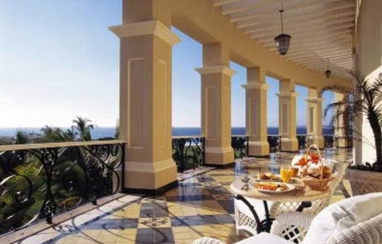 Pueblo Bonito Emerald Bay Resort & Spa - Terrace - 10