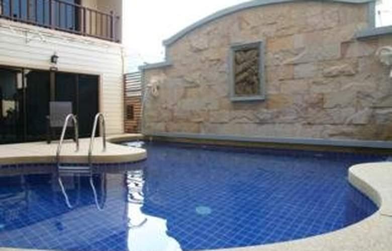 Baan Suay Hotel - Pool - 10