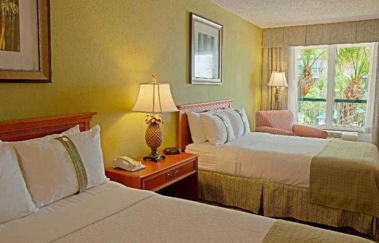 Holiday Inn Hotel & Suites Vero Beach-Oceanside - Pool - 11