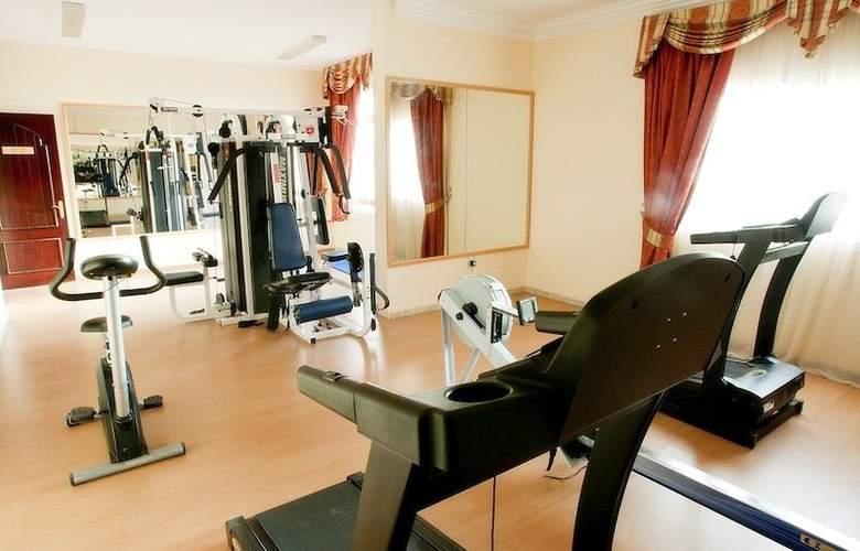 Safeer Hotel Suites - Sport - 4