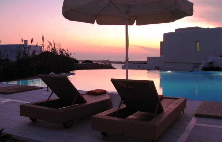 Archipelagos Resort - Terrace - 9