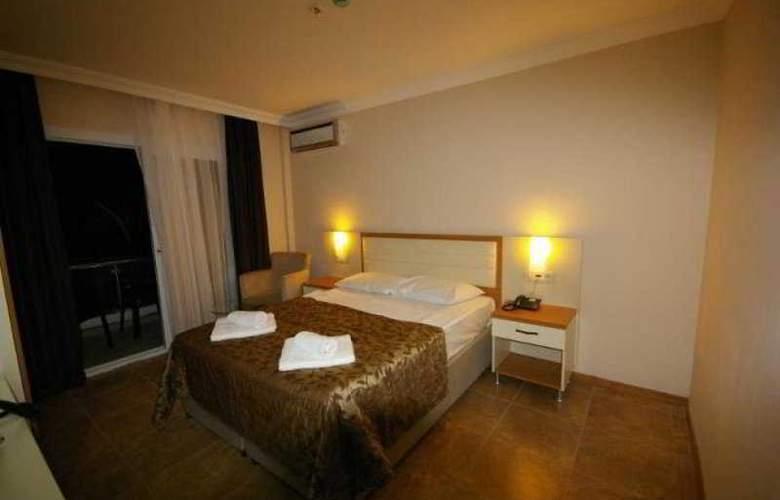 Risa Hotel - Room - 10