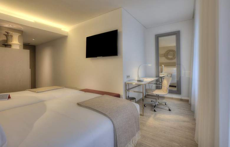 NH Collection Porto Batalha - Room - 7