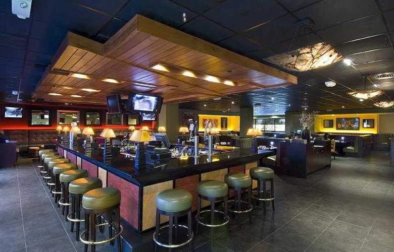 Holiday Inn San Francisco Airport North - Bar - 2