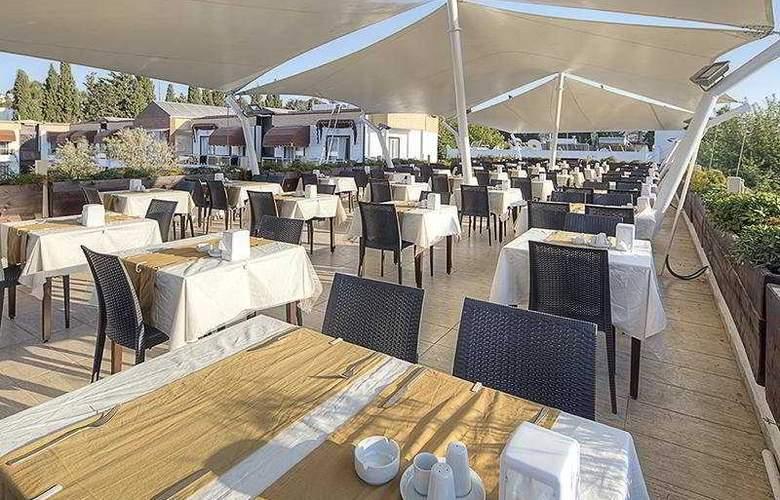 Risa Hotel - Restaurant - 4