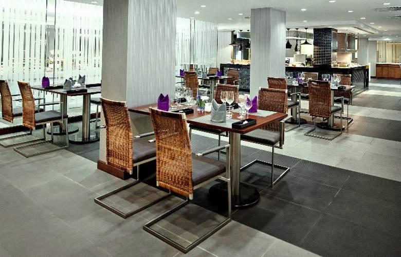 Eastin Grand Hotel Saigon - Restaurant - 17