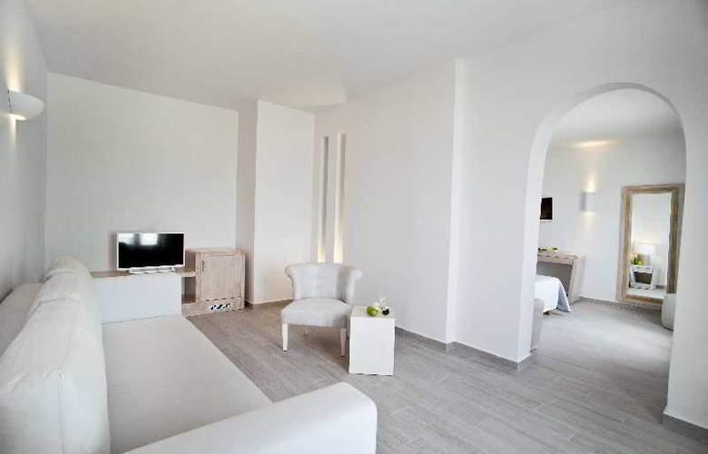 Santorini Palace - Room - 2