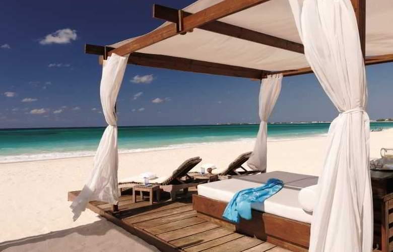 Ritz Carlton Grand Cayman - Beach - 16