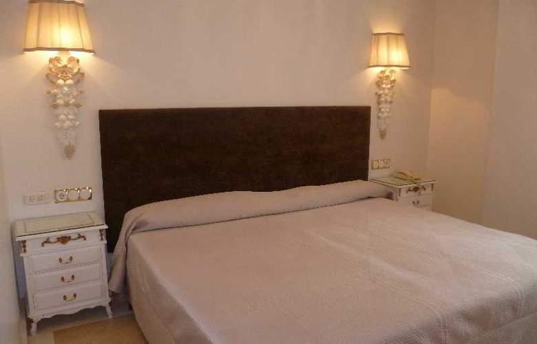 Artheus Carmelitas Salamanca Sercotel - Room - 13