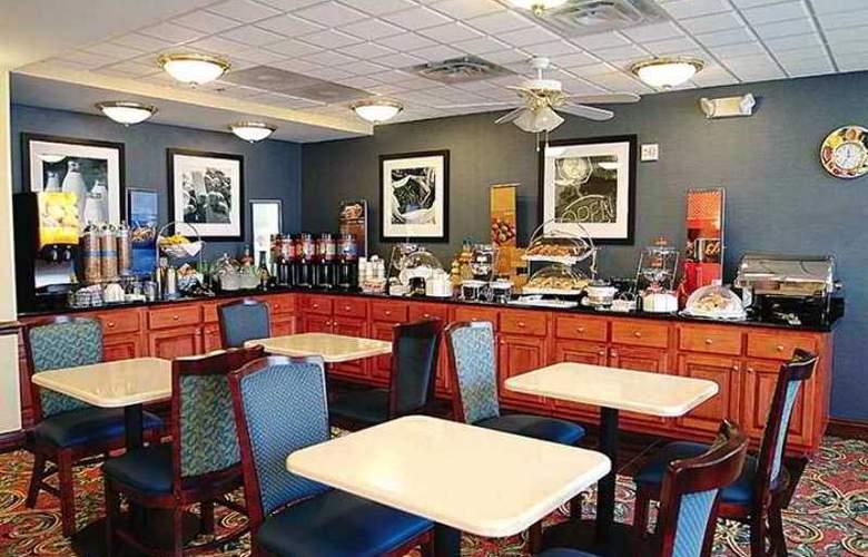 Hampton Inn Hinesville - Hotel - 8