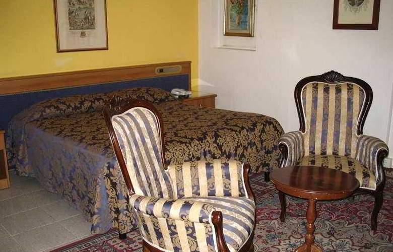 HHB Firenze Santa Maria Novella - Room - 4