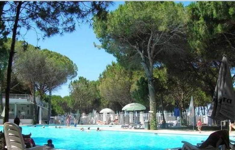 Marea Resort Hotel - Pool - 2