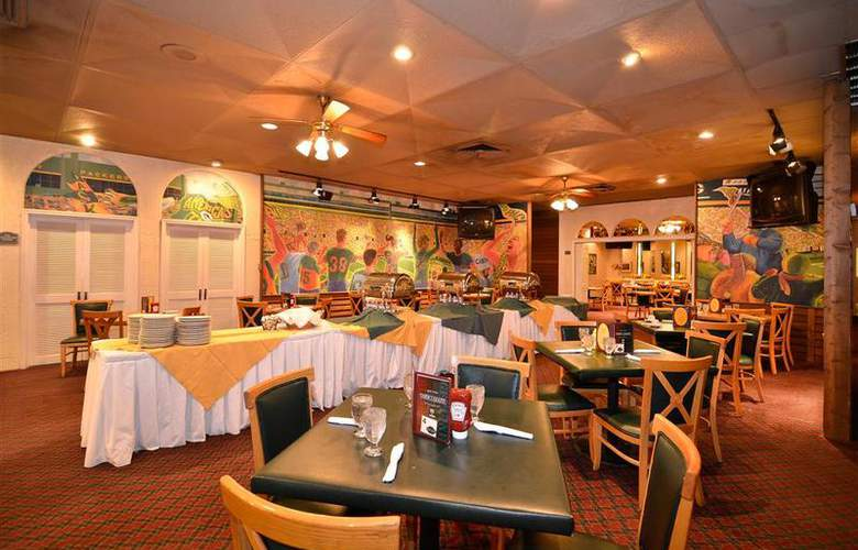 Best Western Green Bay Inn Conference Center - Restaurant - 111