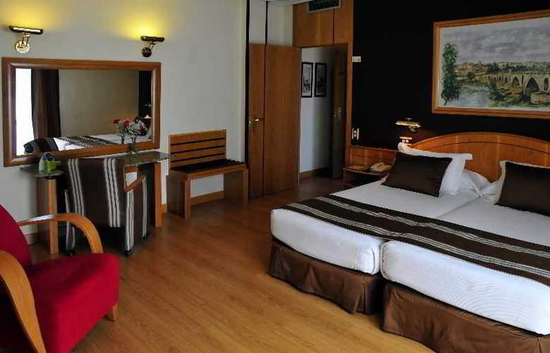Zenit Dos Infantas - Room - 12
