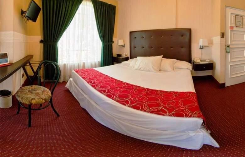 Basadre Suites - Room - 7