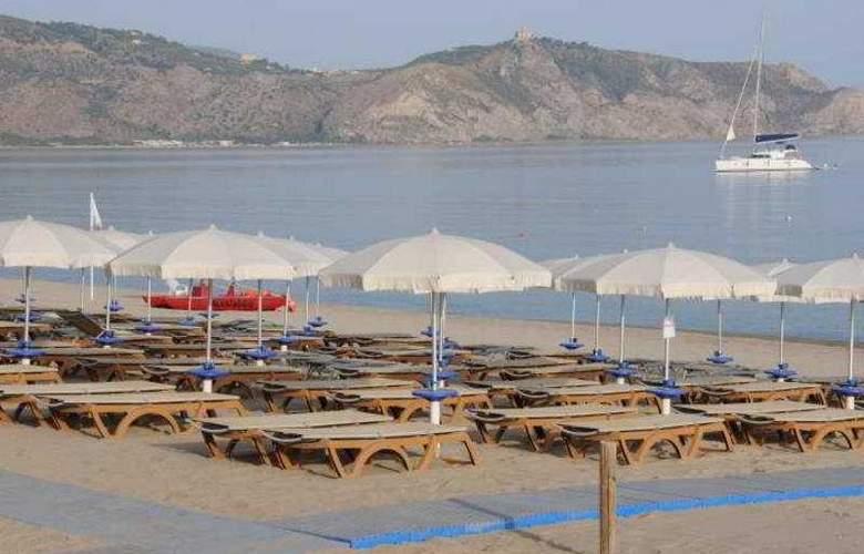 VOI Baia di Tindari Resort - Beach - 5