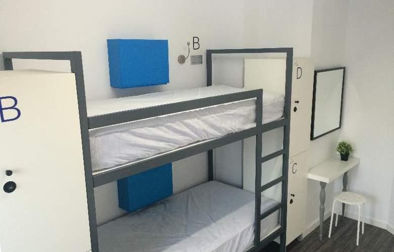 Chameleon Hostel Alicante - Room - 8