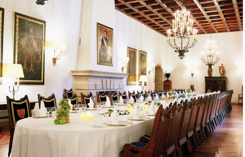 Parador de Santiago de Compostela - Hostal dos Reis Católicos - Restaurant - 12