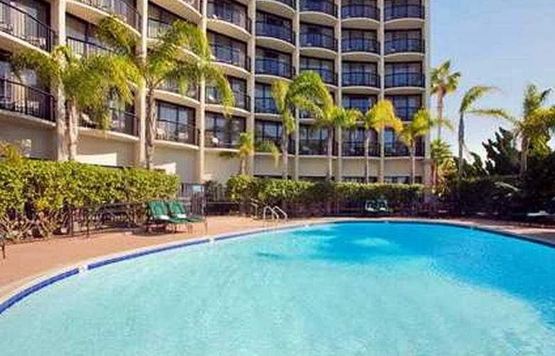Hilton San Diego Airport / Harbor Island - Pool - 8