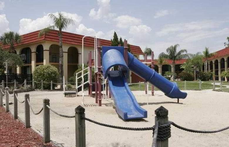 Maingate Lakeside Resort (Best Western Lakeside) - Hotel - 1
