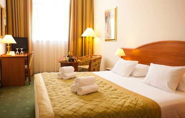 Hotel Globo - Room - 9