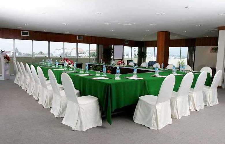 Amari Rincome - Conference - 8