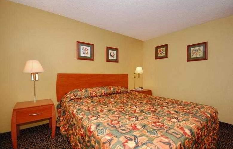 Anaheim Rodeway Inn & Suites - Room - 6