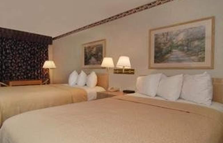 Quality Inn & Suites (Addison) - Room - 3