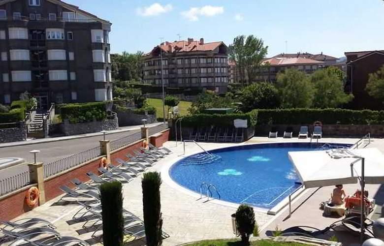Maritimo Ris Apartamentos - Pool - 21