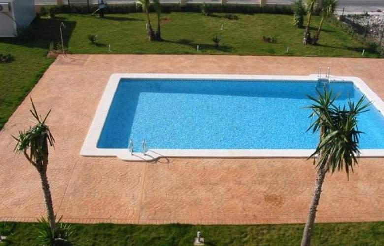 Hoyo 12 Oliva - Pool - 3