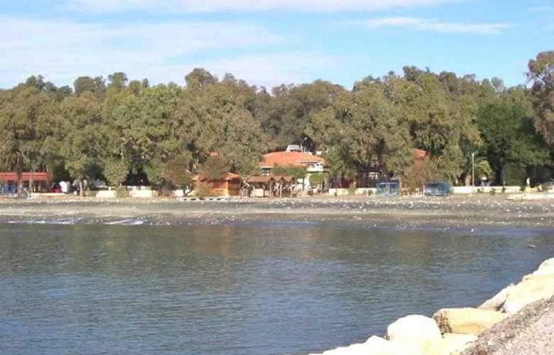 Estella Apartments - Beach - 13