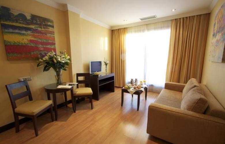 Occidental Granada - Room - 7