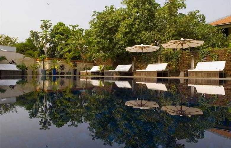 Heritage Suites Hotel - Pool - 7