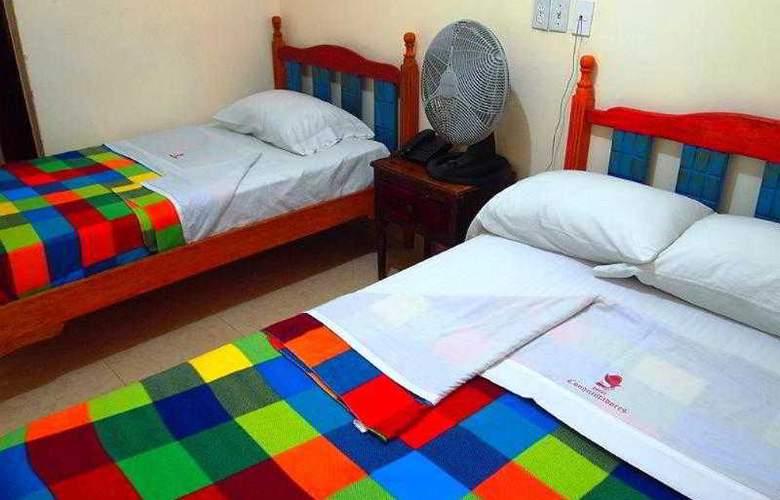Hotel Conquistadores - Room - 4