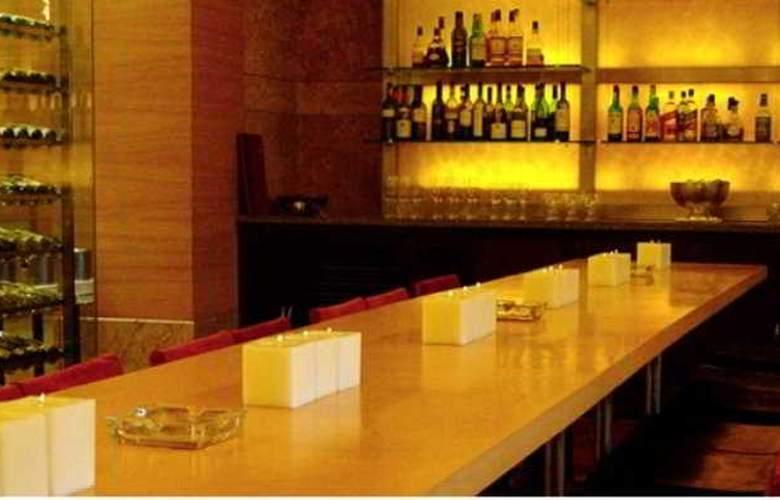 Grand Hyatt Mumbai - Bar - 1