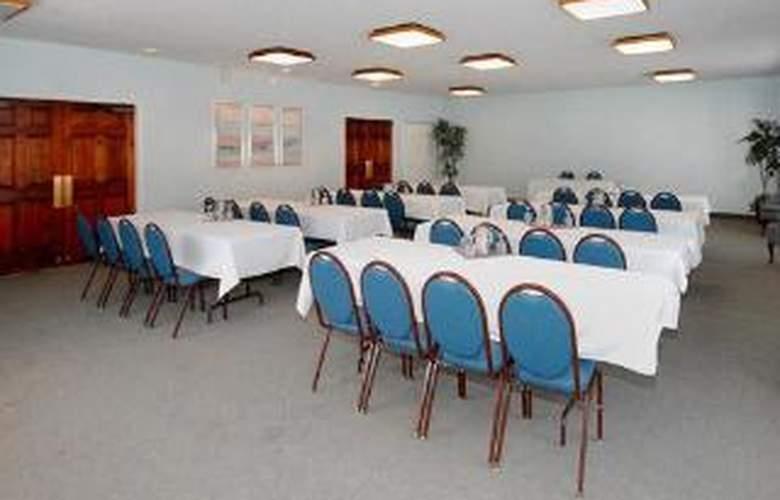 Clarion Suites Inn - General - 3