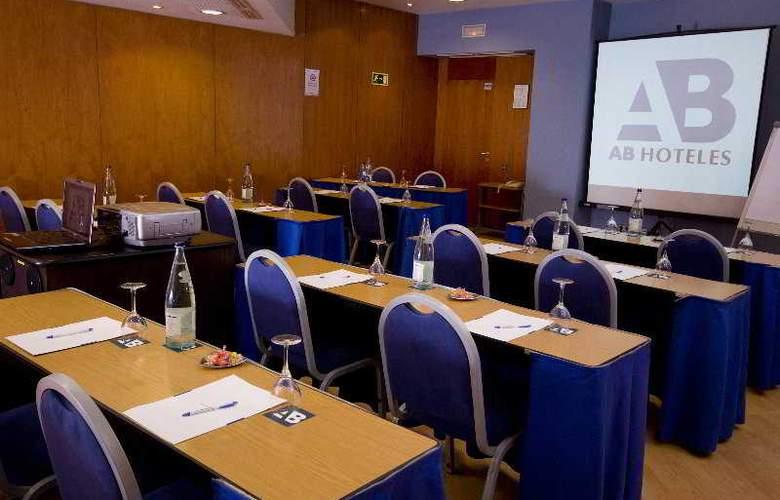 Viladomat - Conference - 2