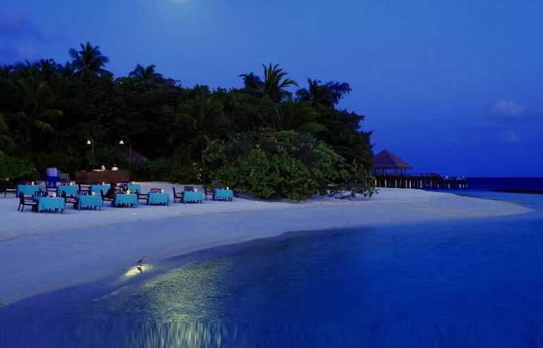 Coco Bodu Hithi - Beach - 21