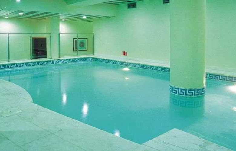 Maria Nova Lounge - Pool - 6