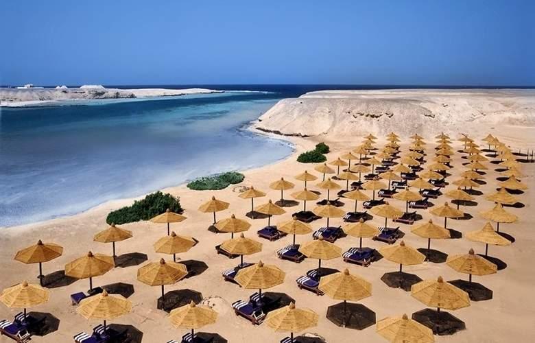 Aurora Bay Resort - Beach - 4