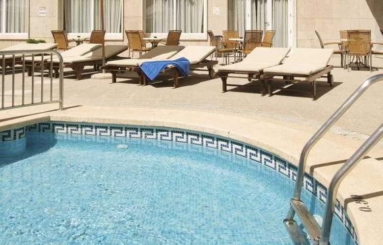 Las Arenas - Pool - 6