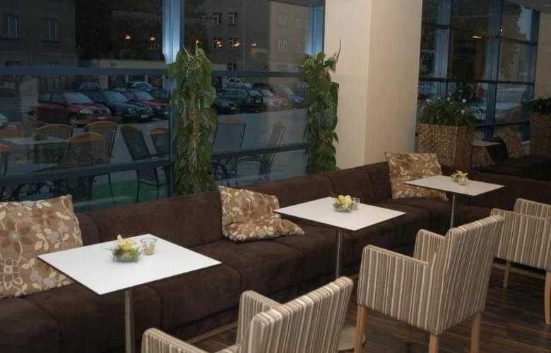 Iris Hotel Eden - Bar - 9