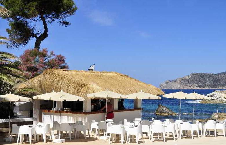 Fergus Style Cala Blanca Suites - Bar - 10