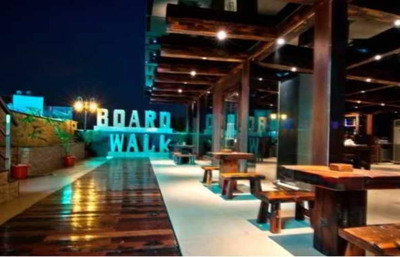 Ramada Chennai Egmore - Restaurant - 12