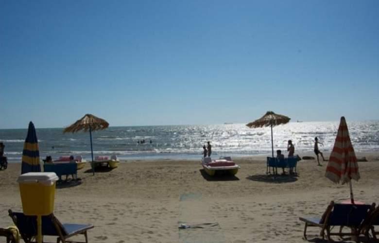 Benilva Hotel - Beach - 7