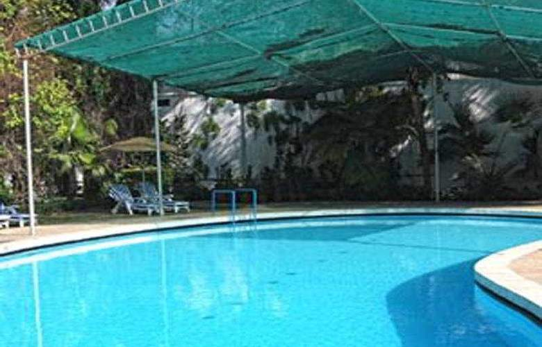 Clarks Varanasi - Pool - 6