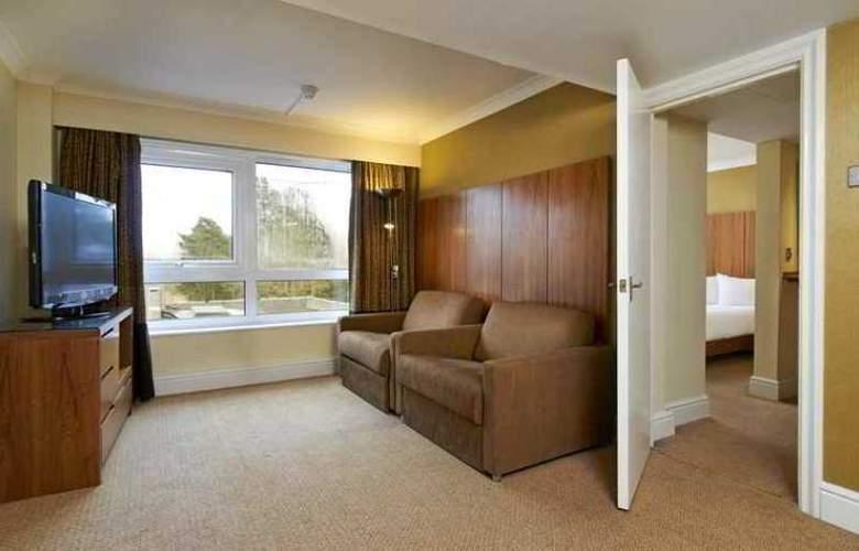 Hilton Cobham - Hotel - 4