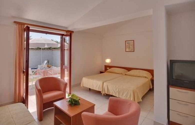 Resort Villas Rubin Apartments - Room - 9
